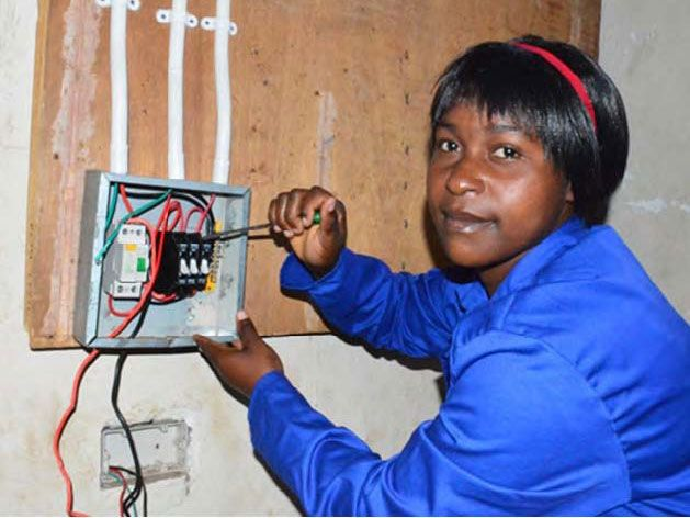DAPP Malawi's Mikolongwe Vocational School provides vocational and life skills training to local Malawian school leavers, orphans and underprivileged youths who have not been absorbed by government and private training colleges.